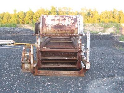 4x14 Triple deck Cedar Rapids Screen (2).jpg